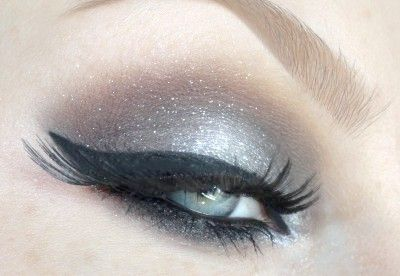Як правильно нанести вечірній макіяж очей