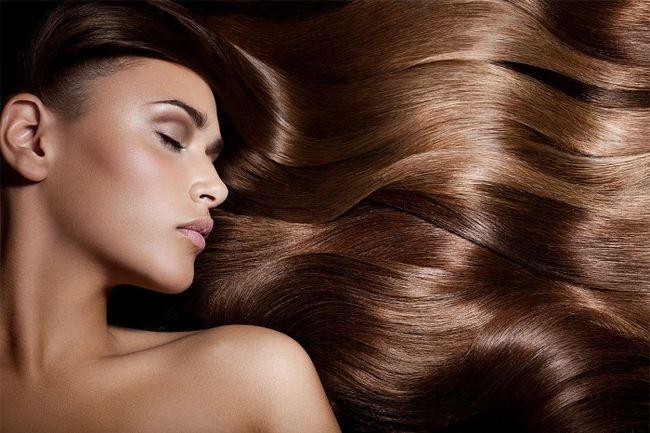 Компоненти маски для волосся: цибуля, яйце, мед і оливкове масло
