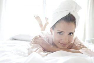 Маски для волосся на ніч - рецепти і поради щодо застосування