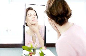 Домашні методи позбавлення від зморшок на шиї і зоні декольте