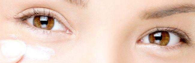 Правила нанесення крему навколо очей
