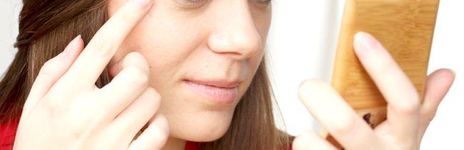 Причини і лікування лущення і сухості шкіри навколо очей