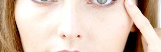 Причини появи під очима у жінок темних або синіх кіл
