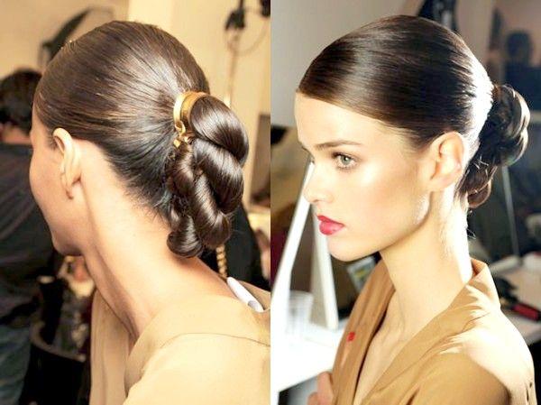 Модні ділові зачіски на довге волосся